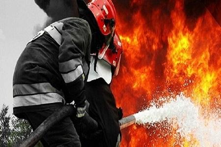 مهار آتشسوزی خودرو در آستارا