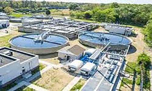 شرکت «واترجن» (Water-Gen) از هیچ می تواند  ۳۱۲۲ لیتر آب آشامیدنی خالص در روز تولید کند.