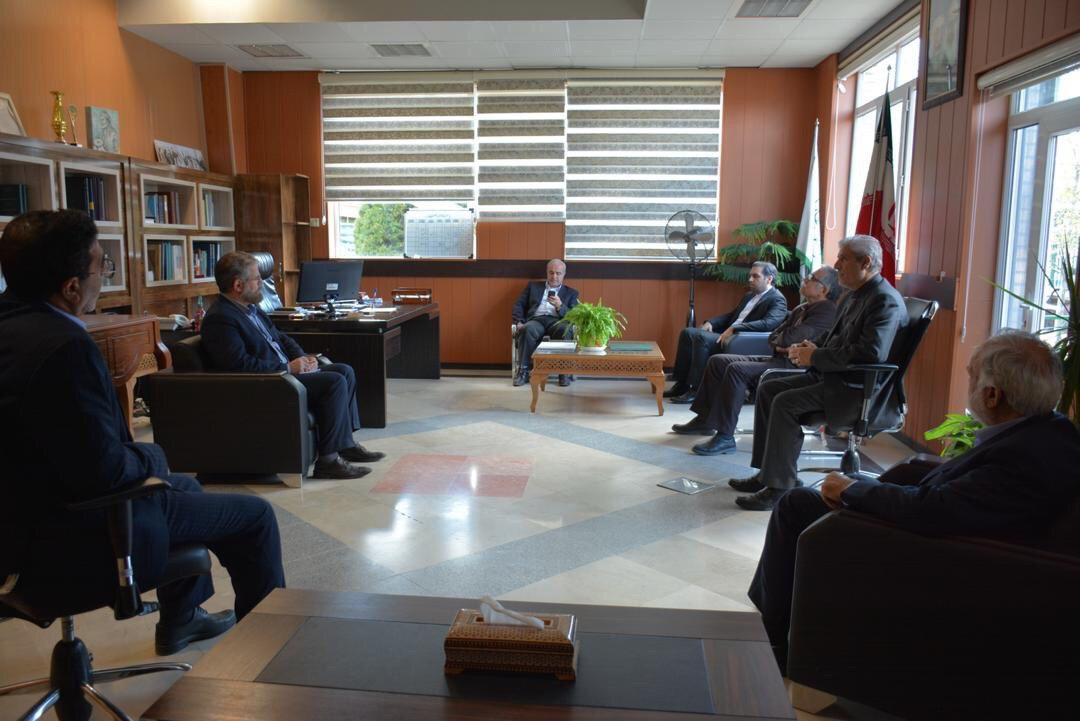 در دیدار مدیر عامل گروه شرکت های پدیده با شهردار شاندیز عنوان شد: تاکید بر همکاری های متقابل عمرانی شهرداری با شرکت پدیده